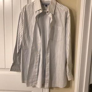 Nice Men's Button Down Stripped Shirt